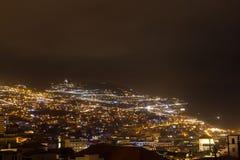 Όμορφη άποψη νύχτας της πρωτεύουσας της Μαδέρας Φουνκάλ, Πορτογαλία Στοκ εικόνες με δικαίωμα ελεύθερης χρήσης