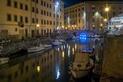 Όμορφη άποψη νύχτας των καναλιών Λιβόρνου στην περιοχή Venezia, Τοσκάνη, Ιταλία στοκ φωτογραφίες