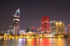 Όμορφη άποψη νύχτας όχθεων ποταμού του Ho Chi Minh Στοκ φωτογραφίες με δικαίωμα ελεύθερης χρήσης