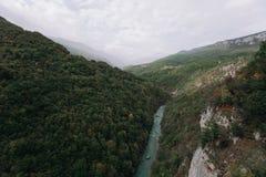 Όμορφη άποψη πέρα από τον ποταμό Μαυροβούνιο Tara Στοκ Φωτογραφία