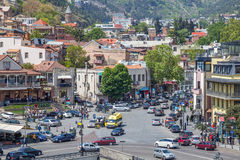 Όμορφη άποψη σχετικά με την παλαιά πόλη Tbilisi από Metekhi churche Στοκ Φωτογραφία