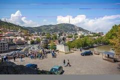 Όμορφη άποψη σχετικά με την παλαιά πόλη Tbilisi από Metekhi churche Στοκ φωτογραφίες με δικαίωμα ελεύθερης χρήσης