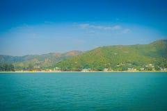 Όμορφη άποψη της πόλης mui wo στον ορίζοντα πόλη, που βρίσκεται στην αγροτική στο νησί lantau του Χογκ Κογκ στοκ φωτογραφίες