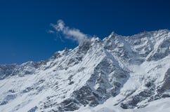 Όμορφη άποψη της χιονισμένης σειράς Matterhorn βουνών από την πλευρά της Ιταλίας Στοκ Εικόνα