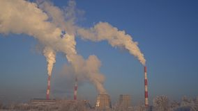 Όμορφη άποψη τοπίων χειμερινών βιομηχανική προαστίων απόθεμα βίντεο