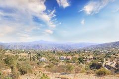 Όμορφη άποψη του γραφικού χωριού των artisans Λεύκαρα, Κύπρος Στοκ φωτογραφία με δικαίωμα ελεύθερης χρήσης