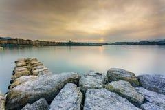 Όμορφη άποψη του ηλιοβασιλέματος στη λίμνη Στοκ φωτογραφίες με δικαίωμα ελεύθερης χρήσης