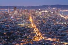 Όμορφη άποψη του ηλιοβασιλέματος στο Σαν Φρανσίσκο από τις δίδυμα αιχμές και το LG Στοκ φωτογραφίες με δικαίωμα ελεύθερης χρήσης