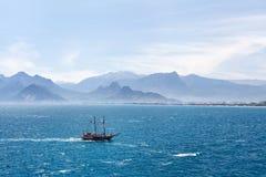 Όμορφη άποψη του λιμανιού Antalia στην παλαιά Τουρκία Στοκ εικόνες με δικαίωμα ελεύθερης χρήσης
