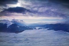 Όμορφη άποψη του ουρανού το χειμώνα Στοκ Φωτογραφίες