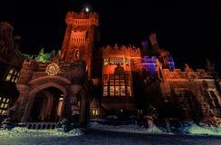 Όμορφη άποψη του παλαιού, εκλεκτής ποιότητας κάστρου Casa loma στην πρόσκληση της νύχτας Στοκ εικόνα με δικαίωμα ελεύθερης χρήσης