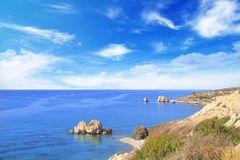 Όμορφη άποψη του τόπου γεννήσεως Aphrodite στη Κύπρο Petra TU Romiou, Stone Aphrodite Στοκ Φωτογραφίες
