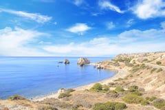 Όμορφη άποψη του τόπου γεννήσεως Aphrodite στη Κύπρο Petra TU Romiou, Stone Aphrodite Στοκ εικόνες με δικαίωμα ελεύθερης χρήσης