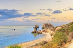 Όμορφη άποψη του τόπου γεννήσεως Aphrodite στη Κύπρο Petra TU Romiou, Stone Aphrodite Στοκ Εικόνες