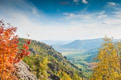 Όμορφη άποψη του φαραγγιού βουνών Στοκ Φωτογραφίες