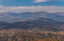 Όμορφη άποψη των βουνών στην περιοχή της Ανδαλουσίας, hous Στοκ Φωτογραφία
