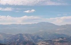 Όμορφη άποψη των βουνών στην περιοχή της Ανδαλουσίας, hous Στοκ εικόνα με δικαίωμα ελεύθερης χρήσης