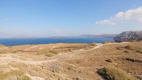 Όμορφη άποψη caldera που διαμορφώνει το νησί Santorini μετά από την ηφαιστειακή έκρηξη απόθεμα βίντεο
