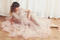όμορφη έγκυος γυναίκα Στοκ Φωτογραφία