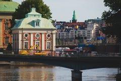 Όμορφη έξοχη ευρεία πανοραμική εναέρια άποψη γωνίας της Στοκχόλμης Σουηδία με το λιμάνι και ορίζοντας με το τοπίο πέρα από την πό Στοκ Φωτογραφίες