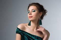 όμορφη έξυπνη γυναίκα makeup στοκ φωτογραφία με δικαίωμα ελεύθερης χρήσης