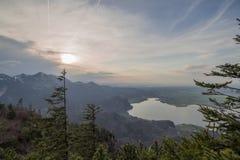 Όμορφη λίμνη βουνών στις βαυαρικές Άλπεις Γερμανία Στοκ Φωτογραφίες