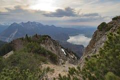 Όμορφη λίμνη βουνών στις βαυαρικές Άλπεις Γερμανία Στοκ εικόνες με δικαίωμα ελεύθερης χρήσης