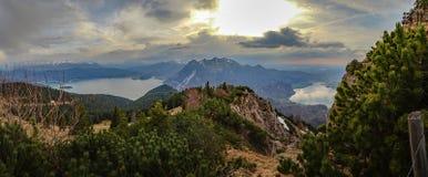 Όμορφη λίμνη βουνών στις βαυαρικές Άλπεις Γερμανία Στοκ Εικόνες