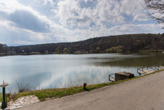 Όμορφη λίμνη στο Sibiu στοκ εικόνες