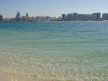 όμορφη ακτή του Ντουμπάι Στοκ Εικόνες