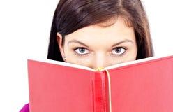 όμορφη ανάγνωση κοριτσιών Στοκ φωτογραφία με δικαίωμα ελεύθερης χρήσης