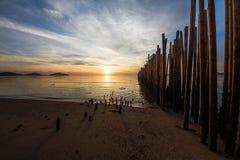 Όμορφη ανατολή στην παραλία, Ταϊλάνδη Στοκ Εικόνες