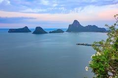 Όμορφη ανατολή θάλασσας και ουρανού στο AO Prachuab Prachuap Khiri Khan Ταϊλάνδη Στοκ φωτογραφίες με δικαίωμα ελεύθερης χρήσης