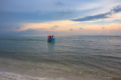 Όμορφη ανατολή θάλασσας και ουρανού στο AO Prachuab Prachuap Khiri Khan Ταϊλάνδη Στοκ φωτογραφία με δικαίωμα ελεύθερης χρήσης