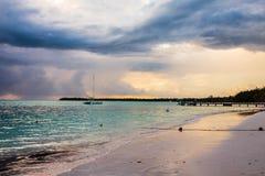 Όμορφη ανατολή στην παραλία σε Punta Cana, Bavaro Στοκ Φωτογραφία