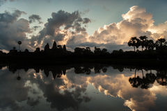 Όμορφη ανατολή στο ναό Angkor Wat Στοκ φωτογραφία με δικαίωμα ελεύθερης χρήσης
