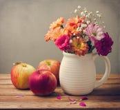 Όμορφη ανθοδέσμη λουλουδιών Στοκ Εικόνα