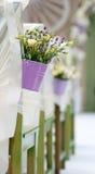 Όμορφη ανθοδέσμη των τριαντάφυλλων και lavender στο bucke Στοκ φωτογραφίες με δικαίωμα ελεύθερης χρήσης