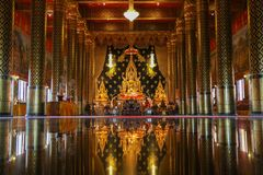 Όμορφη αντανάκλαση του Βούδα staue Στοκ Εικόνα