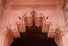 Όμορφη αρχιτεκτονική και επίδειξη σχεδίων στο παλάτι Jhangir Στοκ Φωτογραφίες