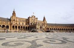 Όμορφη αρχιτεκτονική Plaza de España του κτηρίου με τα ισπανικά Στοκ Εικόνα