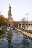 Όμορφη αρχιτεκτονική Plaza de España του κτηρίου με τους ανθρώπους Στοκ Εικόνα