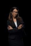 Όμορφη βέβαια επιχειρηματίας που χρησιμοποιεί το smartphone Στοκ φωτογραφία με δικαίωμα ελεύθερης χρήσης