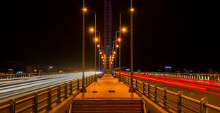 Όμορφη γέφυρα κατά τη διάρκεια της νύχτας (γέφυρα Tran Thi LY) 2016 Στοκ εικόνες με δικαίωμα ελεύθερης χρήσης