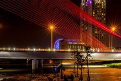 Όμορφη γέφυρα κατά τη διάρκεια της νύχτας (γέφυρα Tran Thi LY) 2016 Στοκ Εικόνες