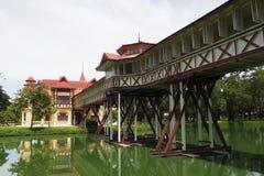 Όμορφη γέφυρα περπατήματος στοκ εικόνες με δικαίωμα ελεύθερης χρήσης