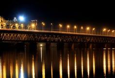 Όμορφη γέφυρα σιδηροδρόμων, 2 σειρές στοκ εικόνες με δικαίωμα ελεύθερης χρήσης