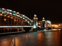 Γέφυρα Bolsheokhtinsky τή νύχτα Στοκ Φωτογραφία