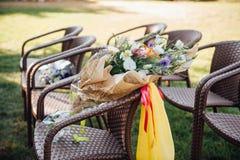 Όμορφη γαμήλια τελετή στο πάρκο Στοκ εικόνα με δικαίωμα ελεύθερης χρήσης