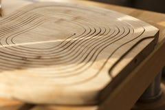Όμορφη γραμμών γλυπτική σύστασης ροής ξύλινη Στοκ Εικόνα